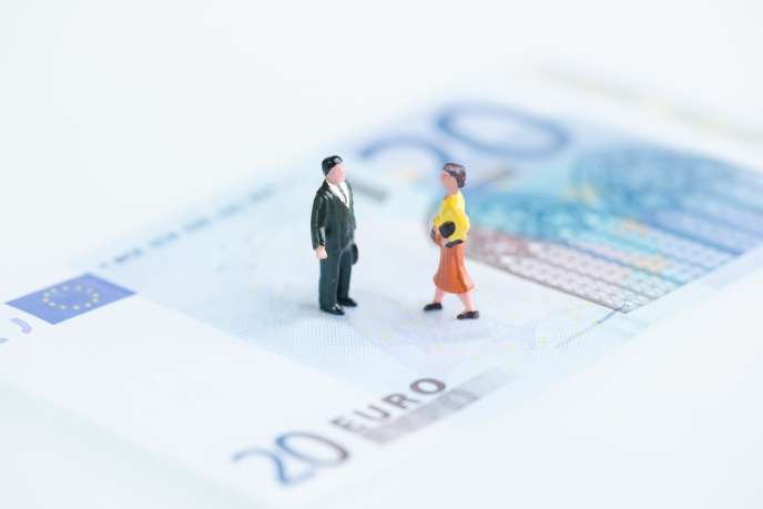 Actuellement, certains régimes de retraite interdisent de servir la pension à l'ex-conjoint divorcé, si celui-ci s'est remarié, pacsé, ou s'il vit en concubinage.