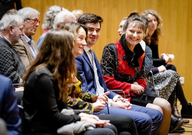 Marjan Minnesma (à droite), fondatrice de l'ONG Urgenda, réagit à la décision de la Cour suprême le 20 décembre 2019 à La Haye.