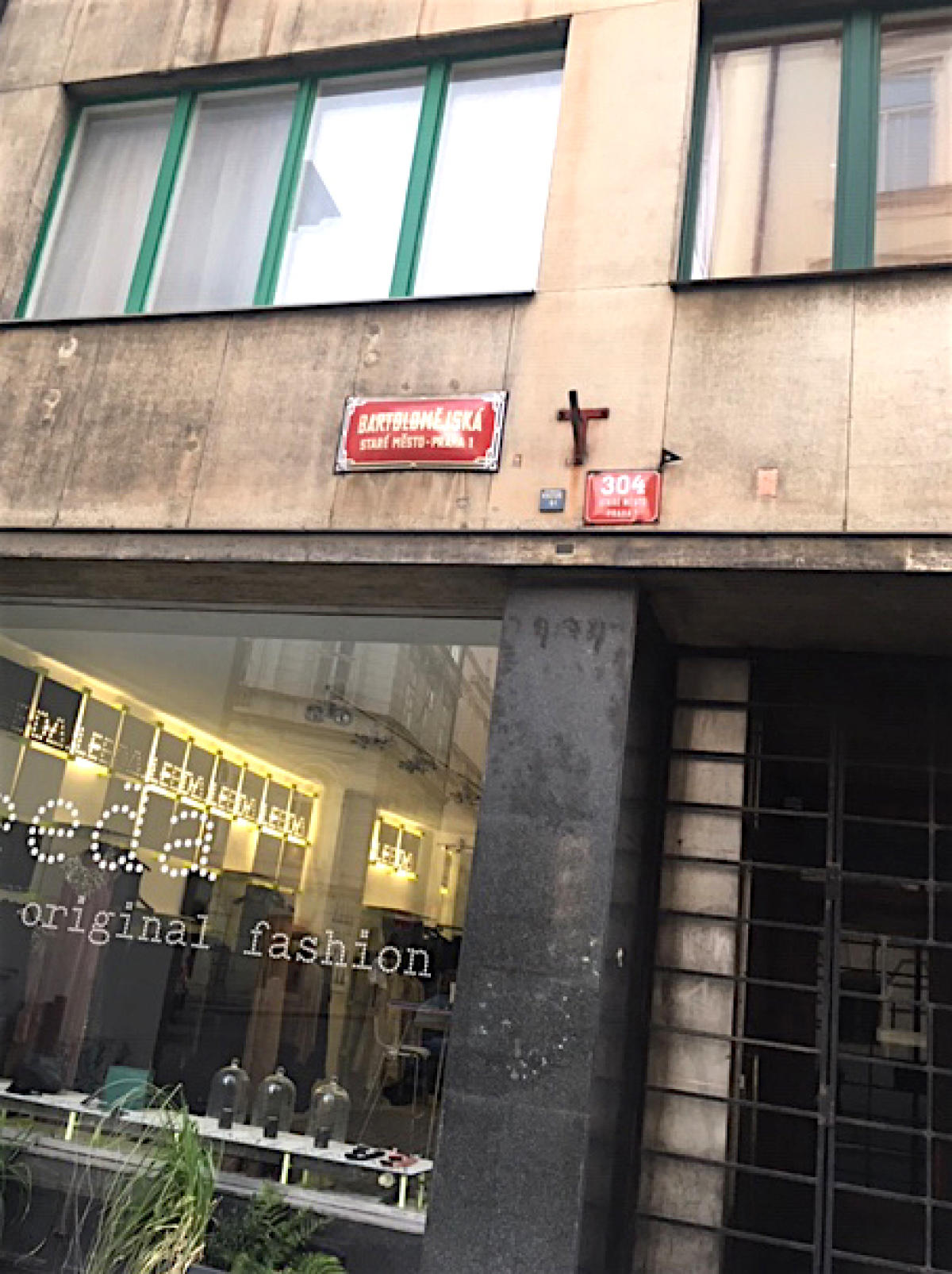 L'immeuble situé au 304, rue Bartolomejska, à Prague,le 20 octobre.