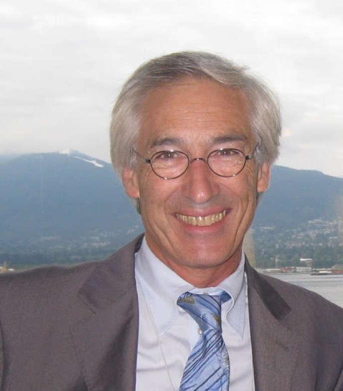 Daniel Labbé, inventeur du protocole Labbé, méthode mondialement utilisée pour restaurer le sourire .