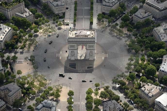 Vue aérienne sur la place de l'Etoile, le 14 juillet 2017.