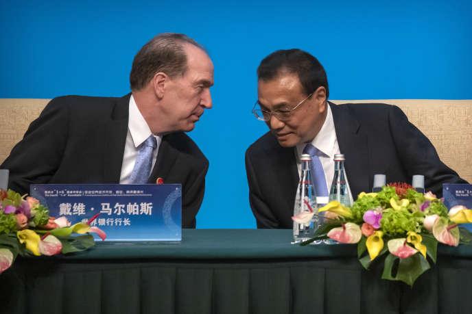 Le président de la Banque mondiale, David Malpass, et le premier ministre chinois, Li Keqiang, àBeijing le 21 novembre.