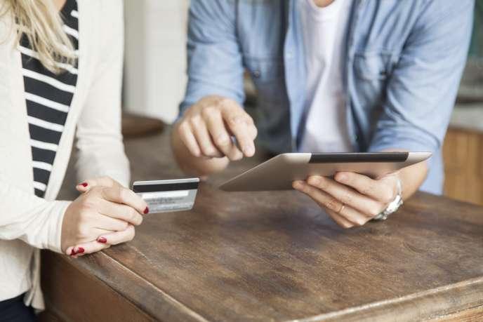 On peut désormais rembourser ses petites dettes avec son smartphone.