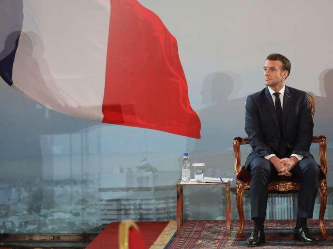 Le président Emmanuel Macron lors de sa conférence de presse, le 21 décembre au palais présidentiel d'Abidjan.