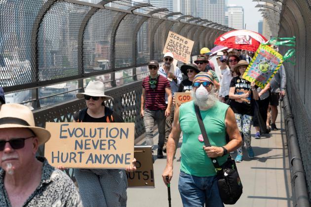 Le 21 décembre, des centaines de personnes ont participé à une marche pour le climat à Sydney. Lesscientifiques pensent que la saison des incendies démarre plus tôt et que les feux sont plus violents en Australie à cause du réchauffement climatique.