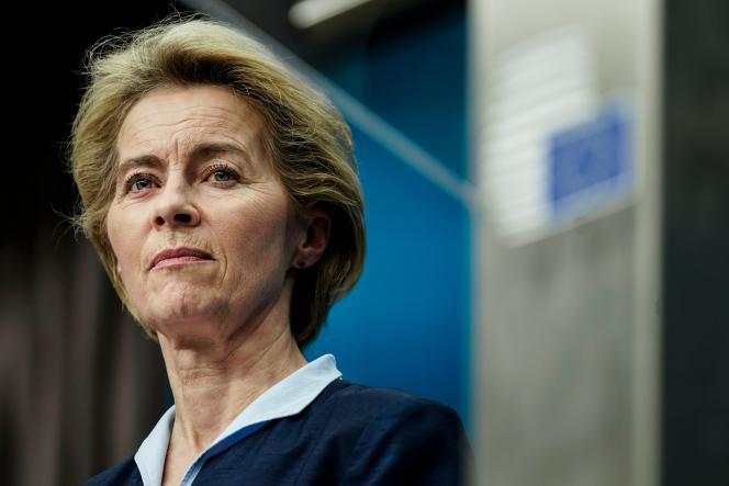 La présidente de la Commission européenne Ursula von der Leyen lors d'une conférence de presse à Bruxelles le 13 décembre.