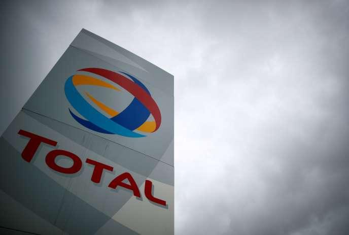 cinq dépendent du groupe Total, deux d'Esso (Exxon-Mobil) et une de Petroineos