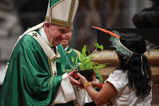 Le pape François alors qu'il célèbre la messe de clôture du synode sur l'Amazonie le 27octobre à la basilique Saint-Pierre de Rome.