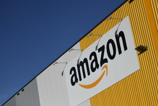 «La palme du bien paradoxal revient sans conteste aux géants du Web (…).Amazon prétend en plus atteindre la neutralité carbone avec dix ans d'avance sur l'accord de Paris. L'envers du décor? Des centres-villes désertés, une hypercroissance pour doper la valeur boursière…»