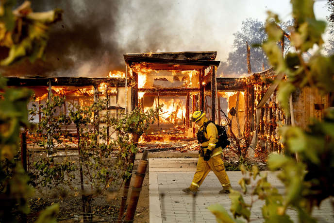 The Kincade Fire in Healdsburg, California on October 27. The October-November fires in the US state caused $ 25 billion in damage.