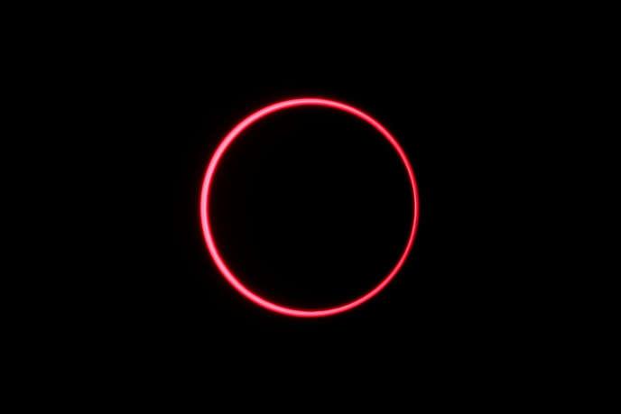 Une éclipse solaire photographiée depuis Siak, en Indonésie, le 26 décembre 2019.