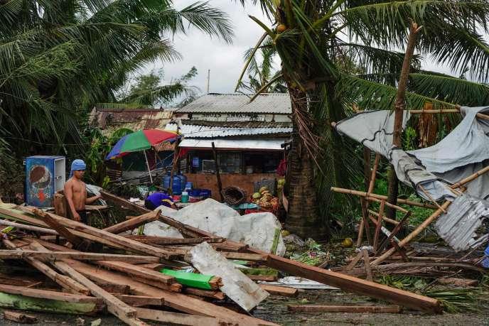 Une maison détruite après le passage du typhon Phanfone, à Tacloban, le 25 décembre.