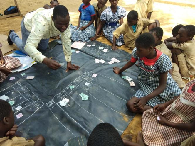 Méthode ludique d'apprentissage du calcul élaborée parTransformer l'éducation dans les communautés du cacao (TRECC)