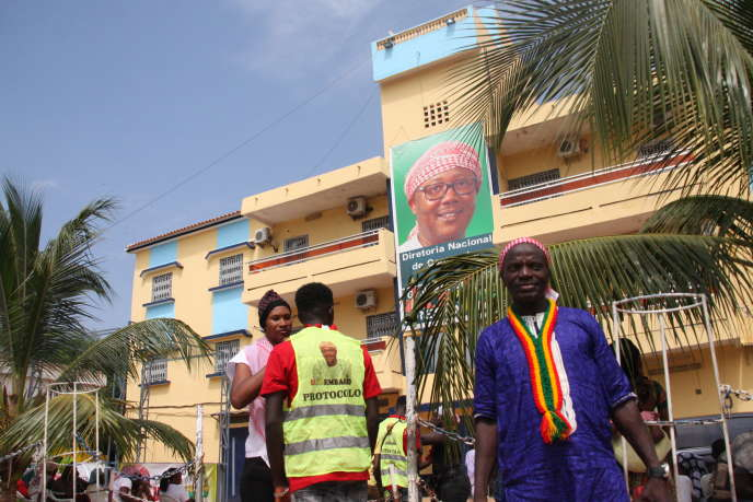 Supporteurs du candidat Umaru Sissoco Embalo, à Bissau, le 8 novembre 2019.