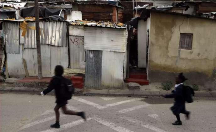 Devant une école de Johannesburg, en 2015.