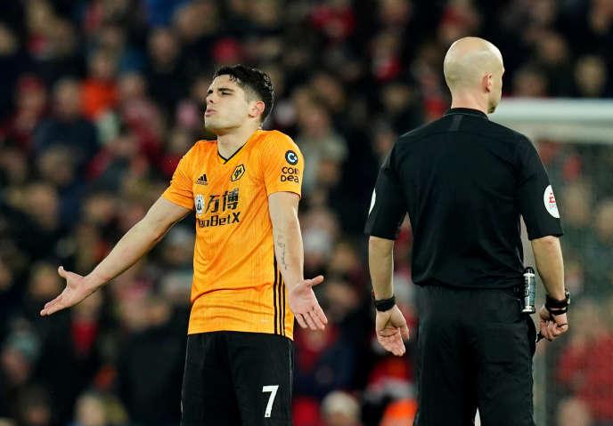 Pedro Neto après que son but a été refusé lors du match Liverpool-Wolverhampton, dimanche 29 décembre.