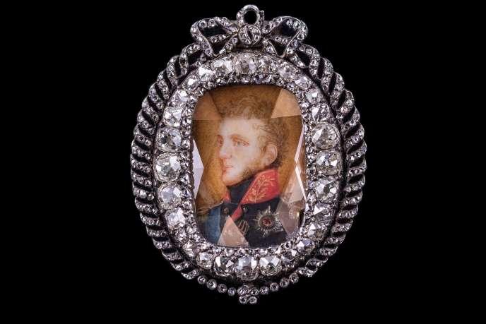 Un pendentif en diamant avec un portrait impérial, probablement par Duval, Saint-Pétersbourg.