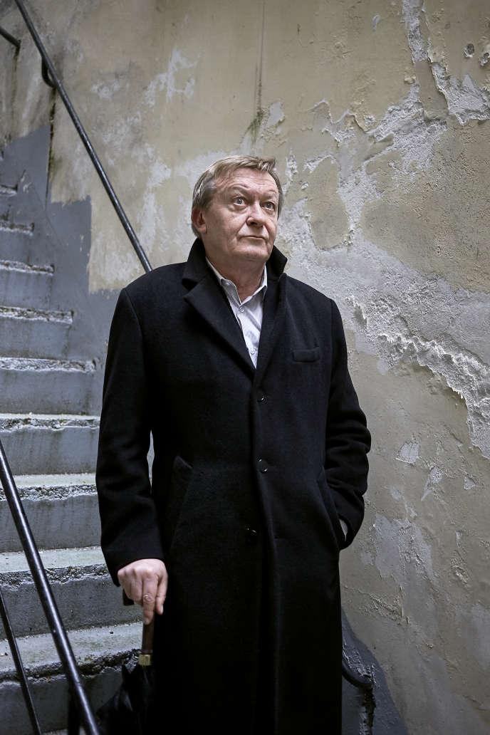 L'écrivain Jean Echenoz, à Paris, le 26 décembre 2019.