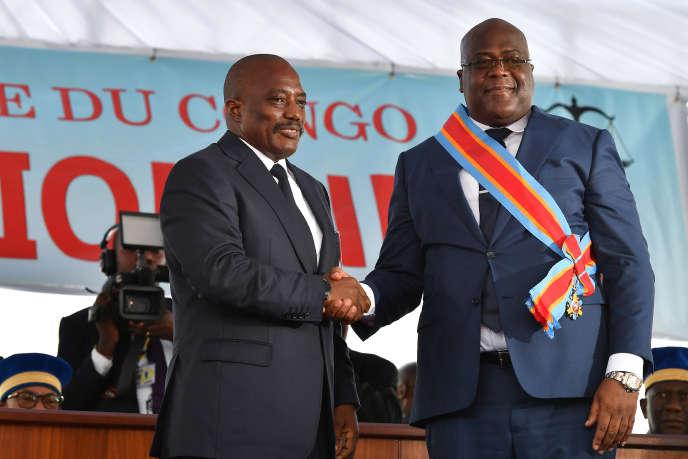 Passation de pouvoirs entre Joseph Kabila (à gauche) et Félix Tshisekedi, à Kinshasa, le 24janvier 2019.
