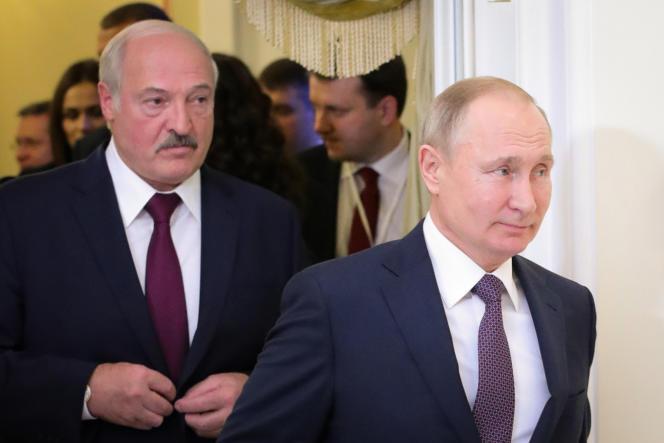 Les président biélorusse, Alexandre Loukachenko, et russe, Vladimir Poutine, à Saint-Pétersbourg, le 20 décembre 2019.