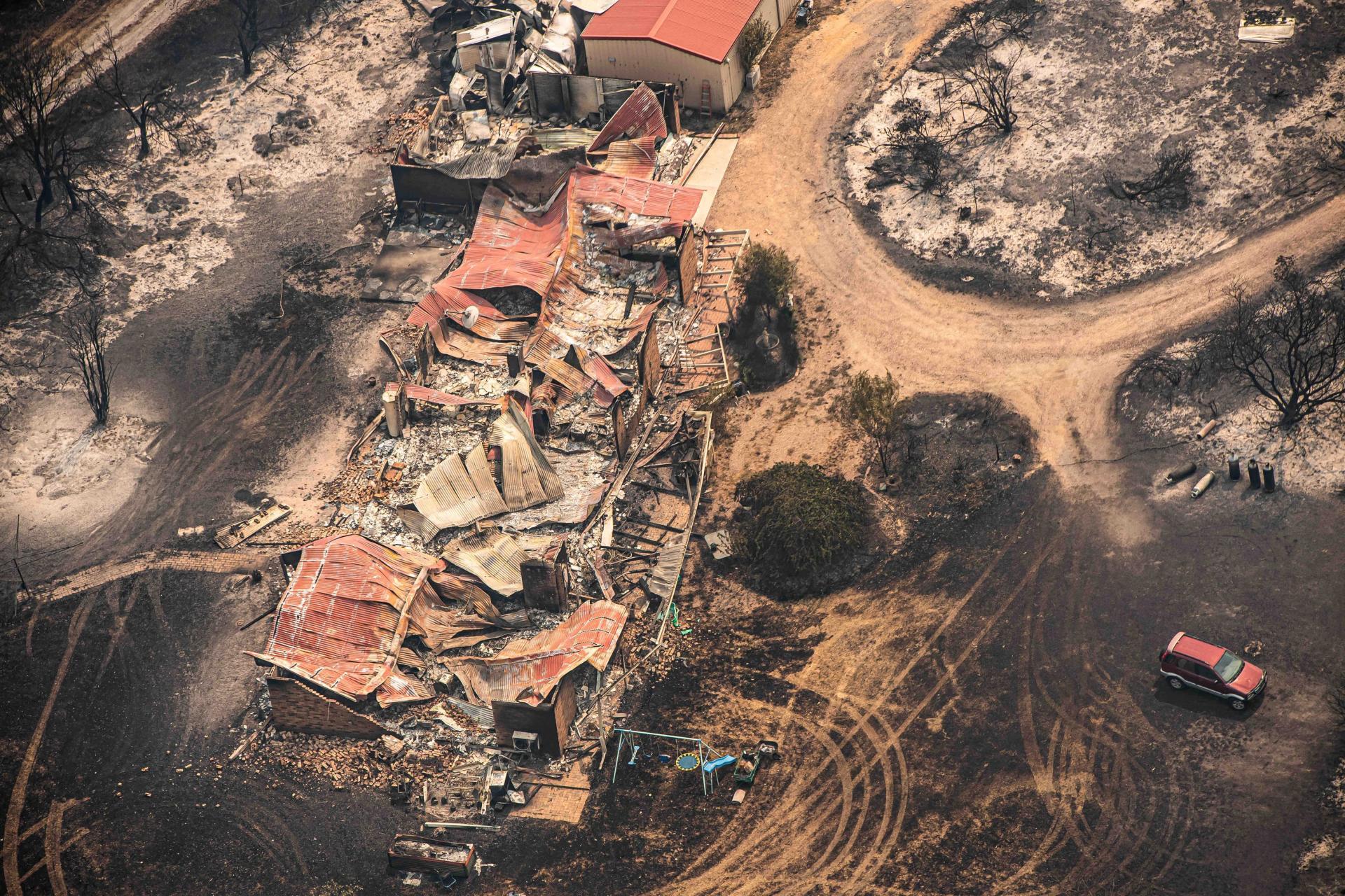 Une propriété dévastée par le feu à East Gippsland, Victoria, le 1er janvier.