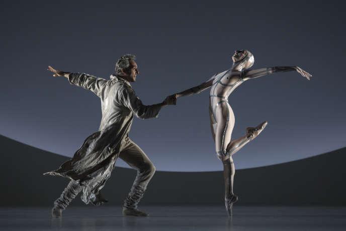 «Coppél-i.A.», de Jean-Christophe Maillot, par les Ballets de Monte-Carlo.