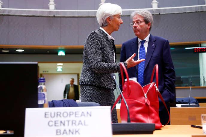 La présidente de la BCE, Christine Lagarde, et le commissaire européen à l'économie, Paolo Gentiloni, à Bruxelles (Belgique), le 4 décembre 2019.
