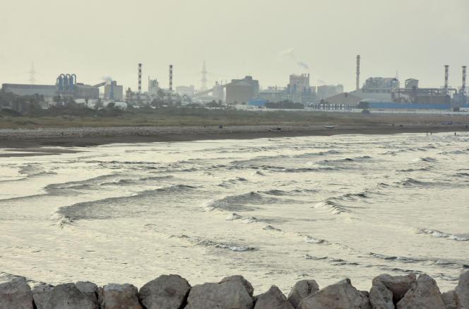 Une usine du Groupe chimique tunisien, à Gabès, en juillet 2017.
