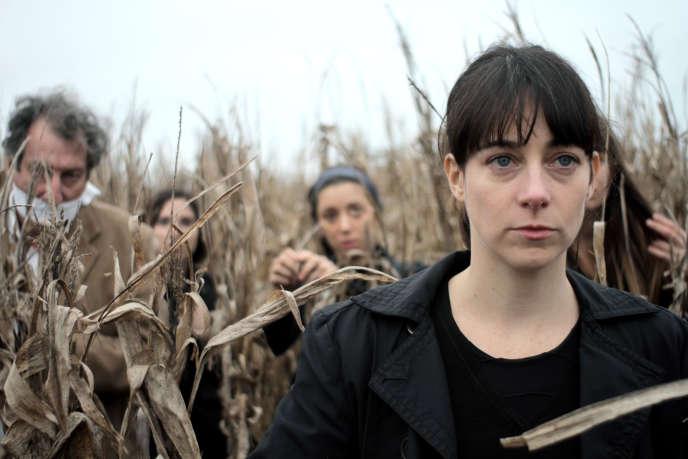 Elisa Carricajo (au premier plan), l'une des quatre actrices qui reviennent d'un épisode à l'autre de ce film-monstre.