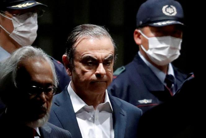 Carlos Ghosn, à sa sortie de prison, à Tokyo, le 25 avril 2019.