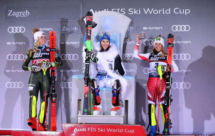 Petra Vlhova peut célébrer sa performance lors du slalom de Zagreb samedi.