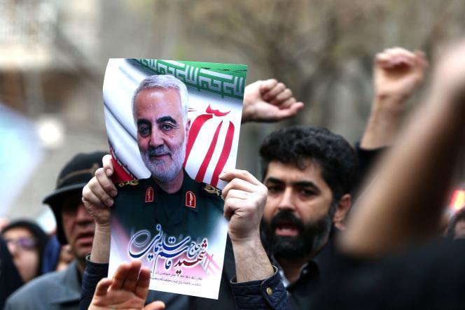 Manifestation d'Iraniens à Téhéran après l'attaque américaine, le 3 janvier.