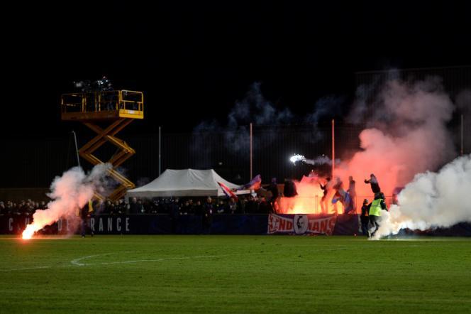 Des incidents impliquant des supporteurs toulousains ont eu lieu au stade du Grand Clos à Saint-Pryvé.