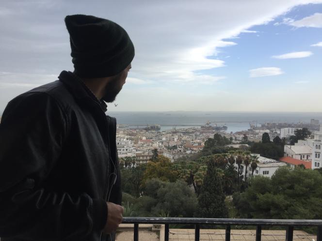 La baie d'Alger depuis le balcon de l'un des ateliers de l'Ecole supérieur des beaux-arts algérienne.