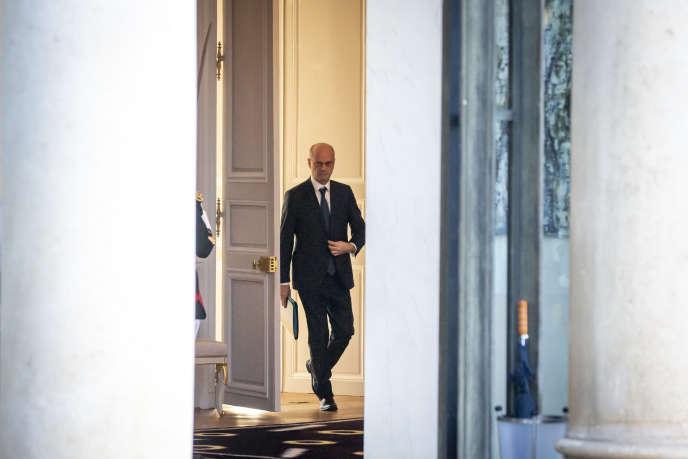 Le ministre de l'éducation nationale, Jean-Michel Blanquer, à la sortie du conseil des ministres, à l'Elysée à Paris, le 6 janvier.