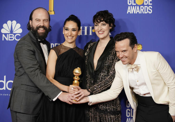 Les acteurs de «Fleabag» pose avec leur prix de la meilleure série télévisée - comédie musicale ou comique.