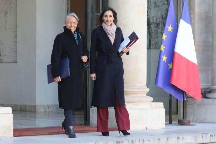 Elisabeth Borne (à gauche) et Brune Poirson (à droite) à l'Elysée, le 6 janvier.