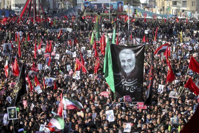 Cérémonie funéraire du général iranien Ghassem Soleimani dans la ville de Kerman, en Iran, le mardi 7 janvier.