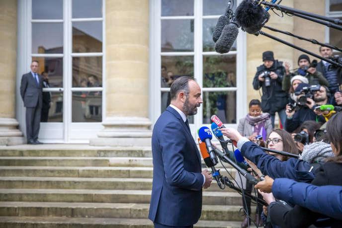 Edouard Philippe s'adresse aux journalistesà propos du projet de réforme des retraites, au ministère du travail à Paris, le 7 janvier.
