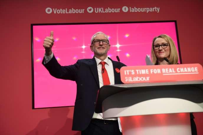 Jeremy Corbyn et Rebecca Long-Bailey lors de la campagne du Labour en vue des élections générales, le 21 novembre,à Birmingham.