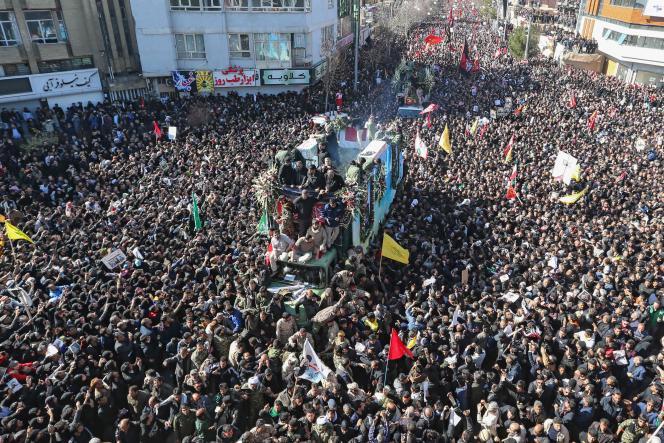Lors des funérailles du général Ghassem Soleimani à Kerman, dans le sud-est de l'Iran, le 7janvier2020.