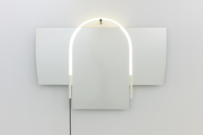 L'énigmatique miroir Elephant Mirror par Mathieu Peyroulet Ghilini, chez Kreo.