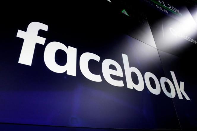 Le logo de Facebook pris en photo à New York, le 29 mars 2018.
