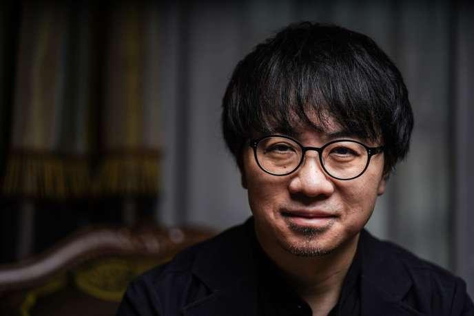 Le réalisateur Makoto Shinkai à Paris, le 11 décembre.