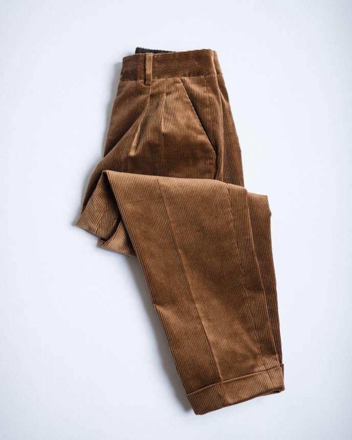 Pantalon à pinces, Margaret Howell, 400 €.