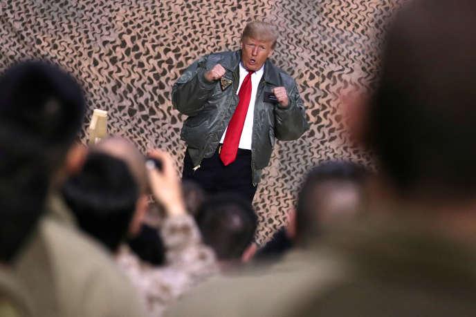 Donald Trump, lors de sa visite sur la base aérienne américaine Aïn Al-Assad, en Irak, en décembre 2018.