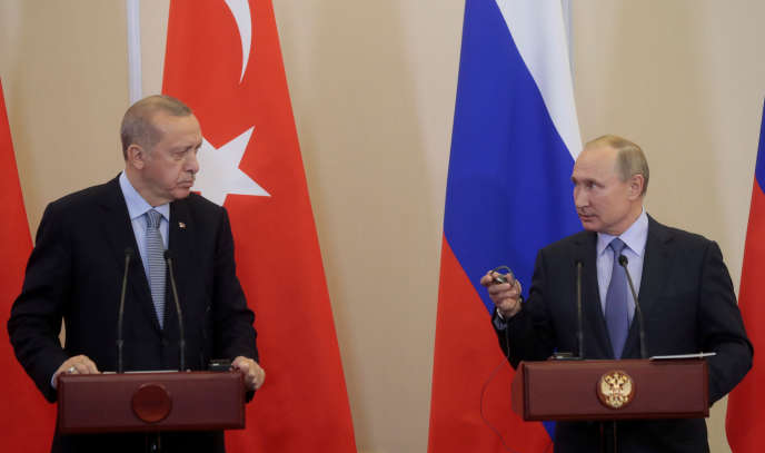 Les présidents Recep Tayyip Erdogan (Turquie) et Vladimir Poutine (Russie), à Sotchi, le 22octobre 2019.