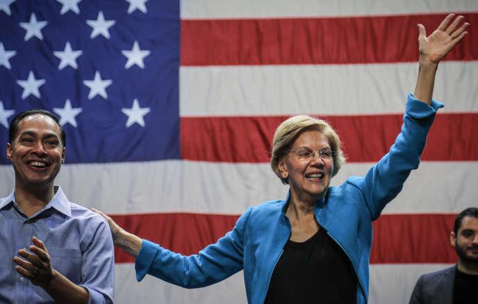 Elizabeth Warren,candidate à l'investiture démocrate pour la présidentielle américaine, et l'ancien secrétaire au logement Julian Castro, qui a annoncé son soutien à la sénatrice après avoir abandonné la course. Ici lors d'un meeting àBrooklyn, le 7 janvier.
