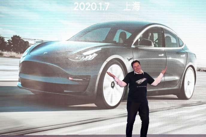 Le PDG de Tesla, Elon Musk, à Shanghaï, à l'occasion de la sortie de son premier modèle « made in China », mardi 7 janvier.