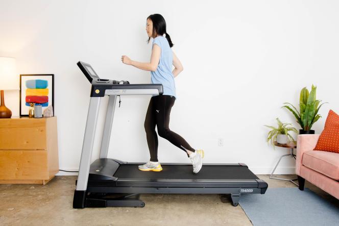 Le LifeSpan Fitness TR4000i est équipé d'un cadre solide, de plusieurs options de connexion et d'une bonne garantie.